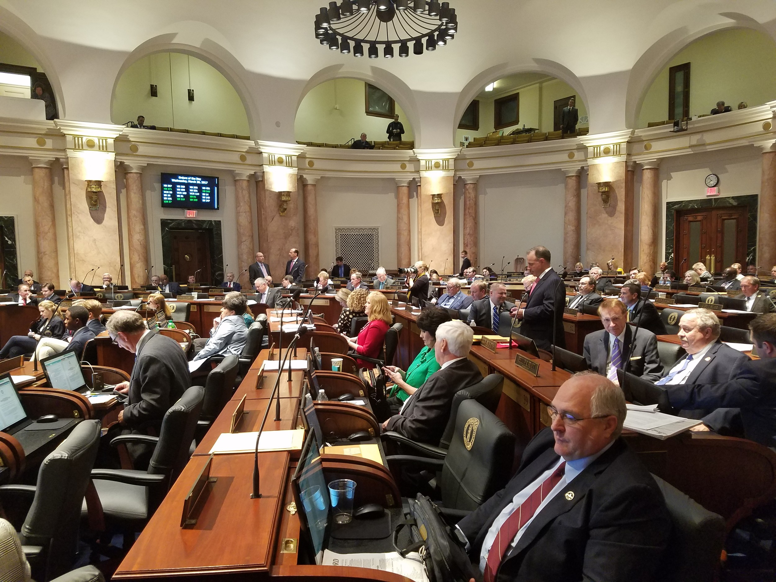 Kentucky's Senate has approved share parenting law