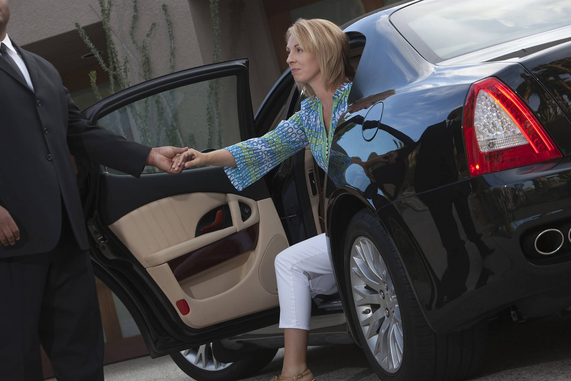 Top Trends in Luxury Chauffeur Service to Watch.