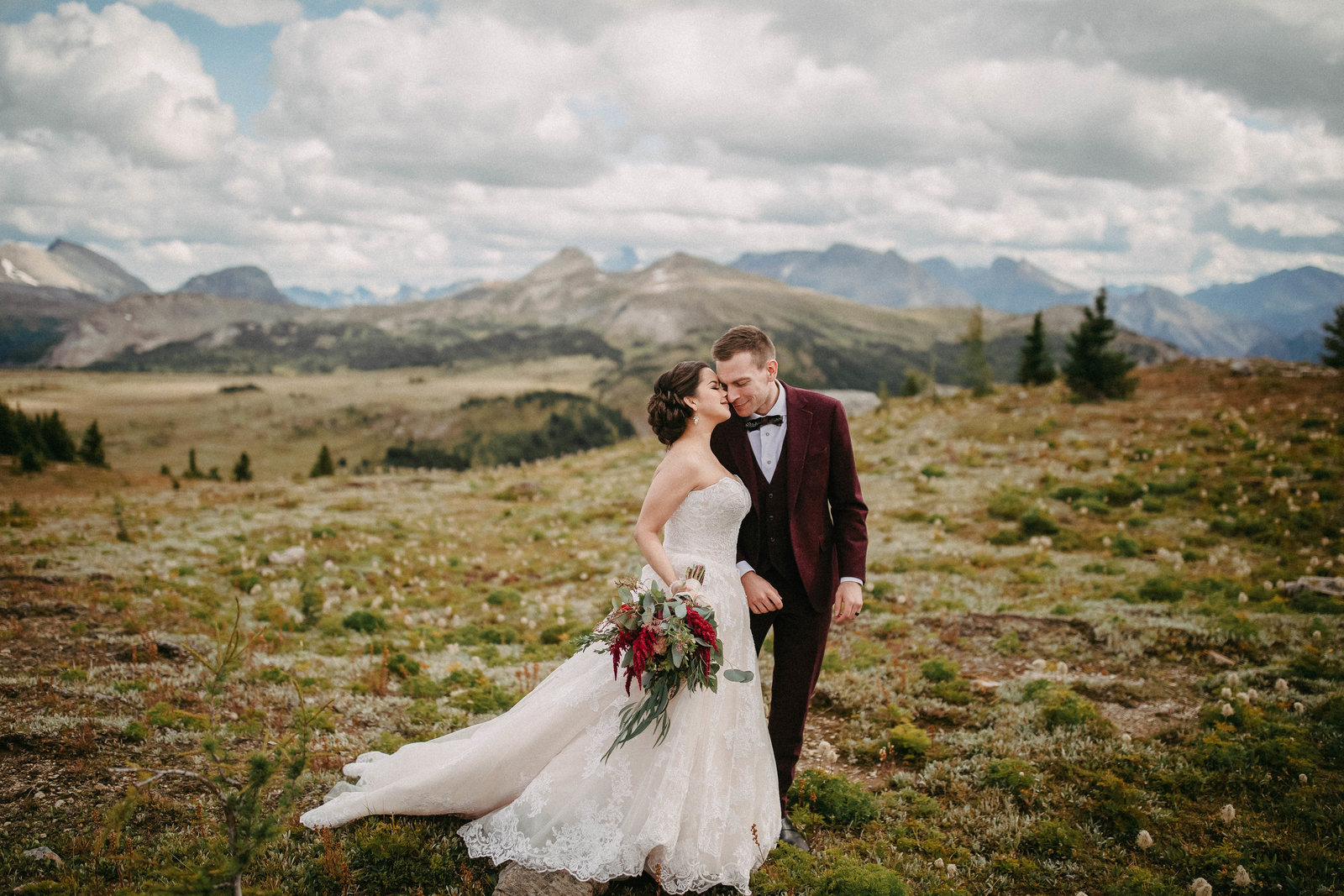 2 Simple Reasons to Set Your Mind for an Elopement Photographer in Calgary