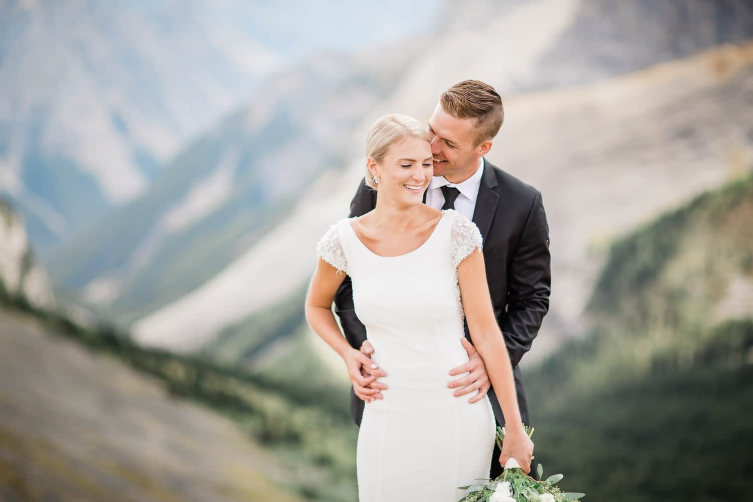 Wedding Photography Calgary - How to Make Your Wedding Day Photographs More Interesting?